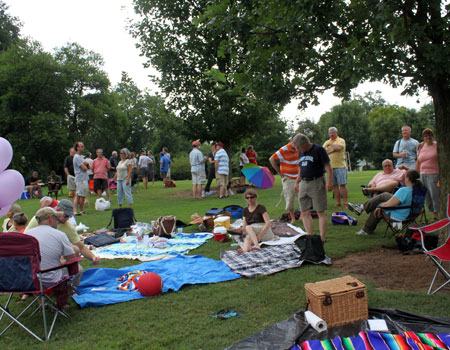 Rev. Josh Noblitt hosted a community picnic in Piedmont Park
