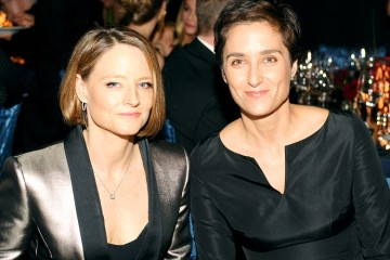 1398279568_185167349_jodie-foster-alexandra-hedison-zoom
