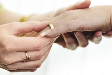Gay marriage hands rings