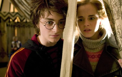 harry-and-hermione-harry-potter-world-2255066-2100-1398